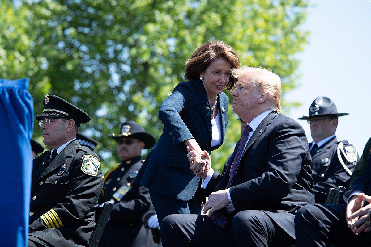 דונלד טראמפ וננסי פלוסי - השוק הפנימי